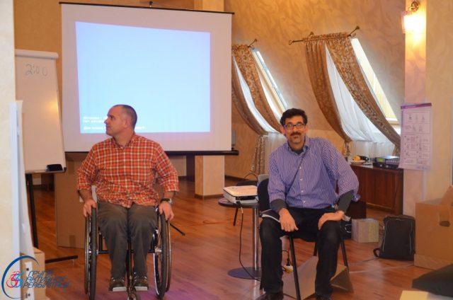 Тренери проекту Дейв (зліва) та Джемі