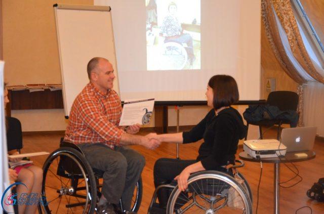 Уляна отримує сертифікат