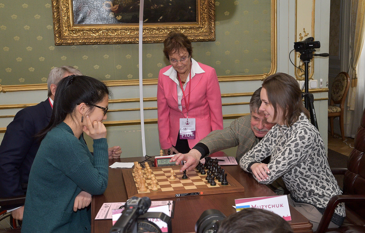 chess-women-Lviv-2016-03-03_2690sa_HBR