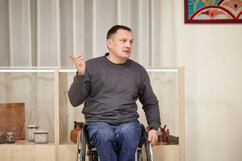 Володимир Азін