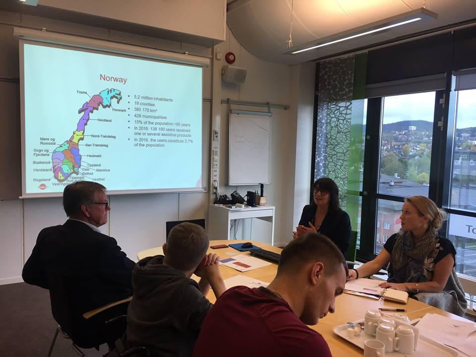 У Норвегії з 1995 року створені 18 центрів асистивних технологій